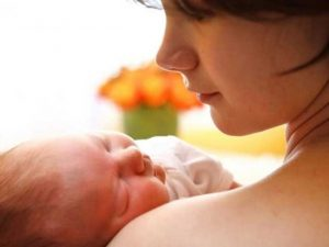 सपने में बेटी को जन्म देना